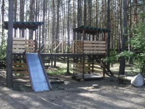 Stovyklavietė miško monai (2)